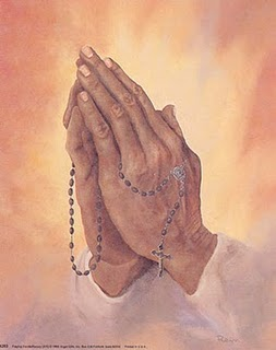 praying-hands-with-rosary